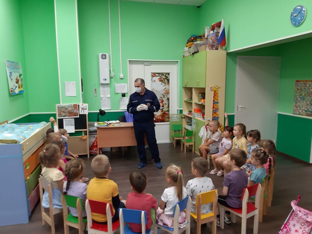 Занятие в детском саду «Маленькая страна» (Ломоносовский район)